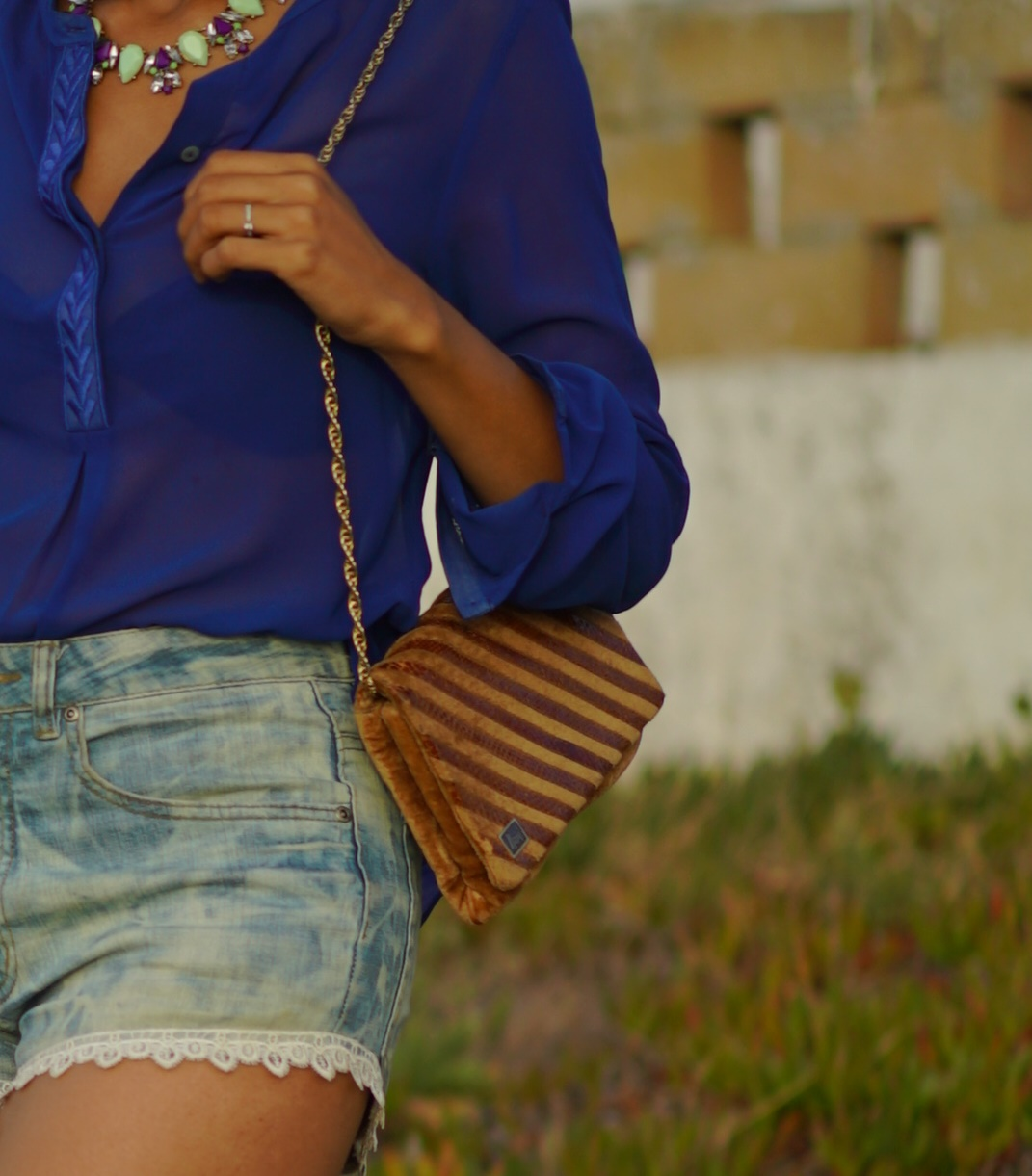 Denim & lace shorts party outfit 10